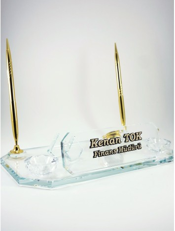 İki Kalemli Şeffaf Cam Kristal Masa İsimliği