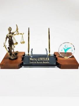 Hakim ve Avukatlara Özel Kristal Masa İsimlik