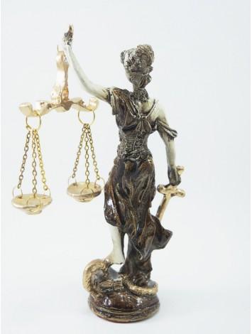 Antik sarı adalet heykeli